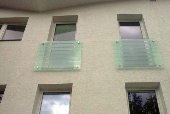 Skleněné zábradlí k francouzskému oknu